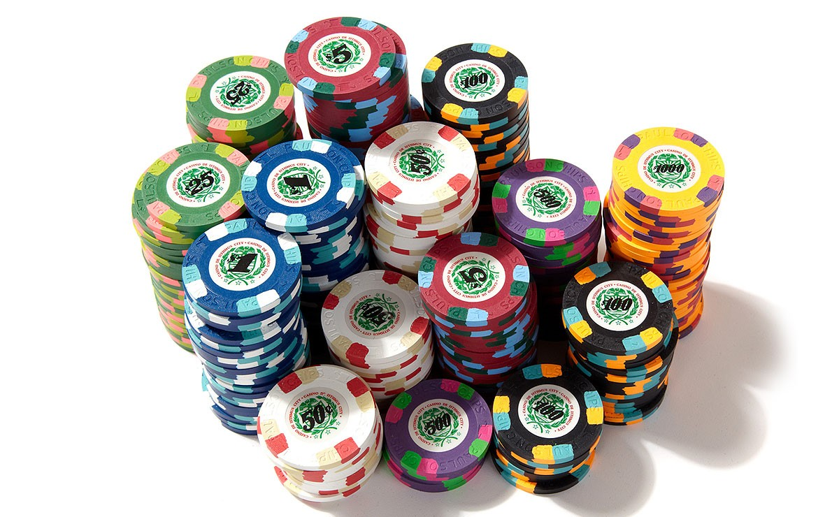 clay poker chips